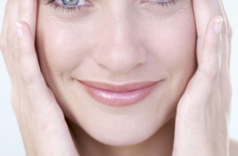 Как избавиться от морщин в уголках рта в домашних условиях